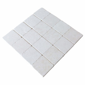 20012445-Champagne-pearl-tumbled-limestone-tiles-4x4-angle-view-2S3A3837